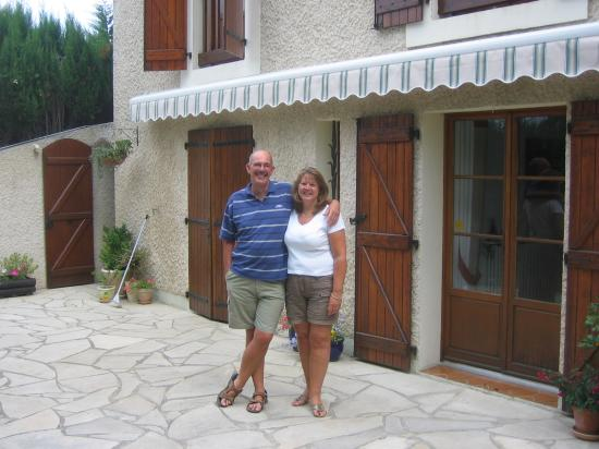 B & B in Limoux at Domaine St George: A welcome from John and Maureen
