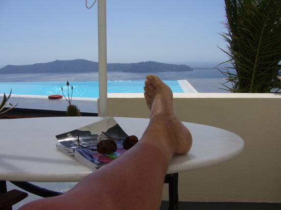 Anastasis Apartments: le soleil de Santorin est traitre, voyez mes jambes