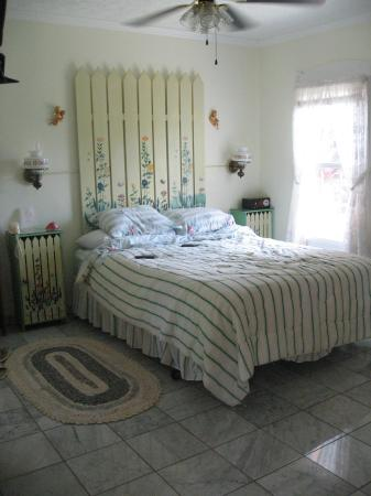 Green Acres Cottages: Plumeria Cottage