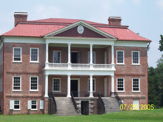 Drayton Hall: Front  (actually back facing away from river)