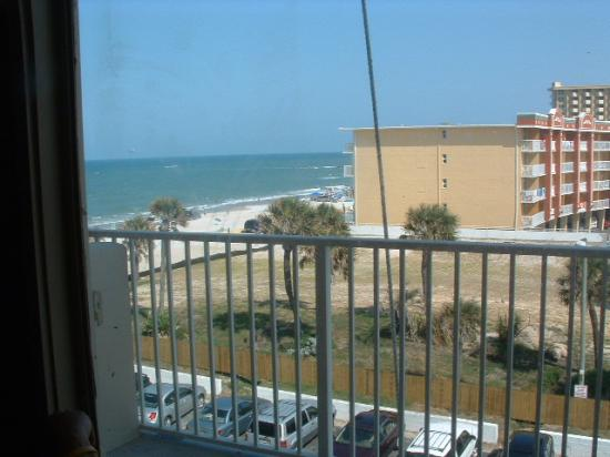Daytona Beach Club Oceanfront Inn: view from room