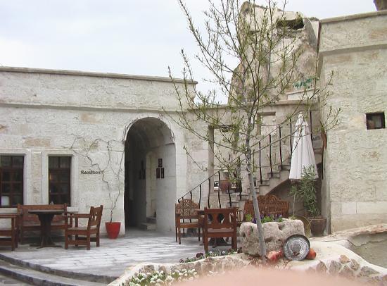 Cappadocia Cave Suites: Outdoor view 1