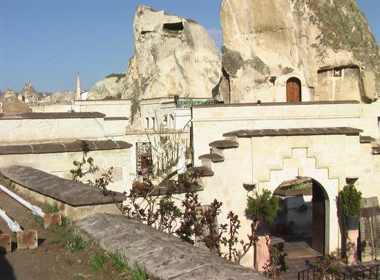 Cappadocia Cave Suites: Outdoor view 2