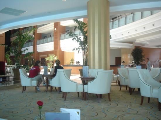 Queen Elizabeth Elite Suite Hotel & Spa : loby