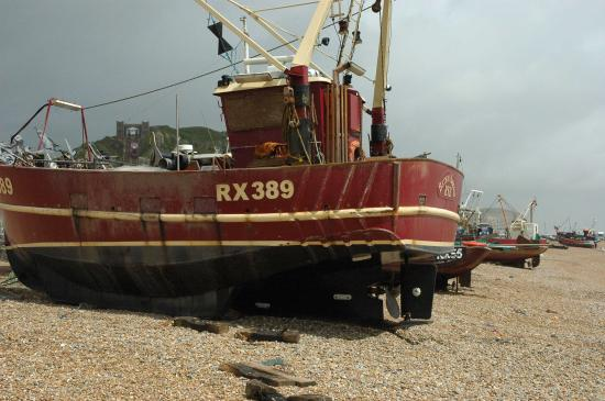 The George in Rye : Boats on hastings beach