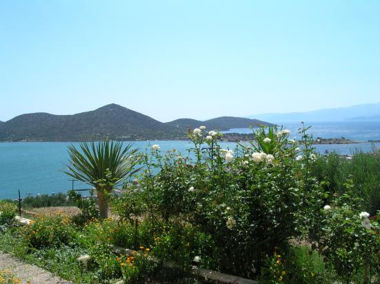 Elounda Heights Apartments and Studios: The view
