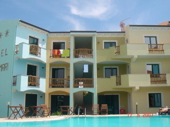 Ariadimari Hotel