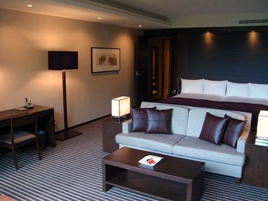 Hyatt Regency Hakone Resort and Spa: The work table