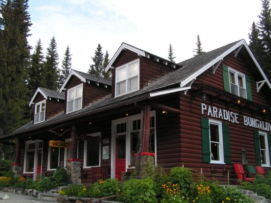 Paradise Lodge & Bungalows: main lodge