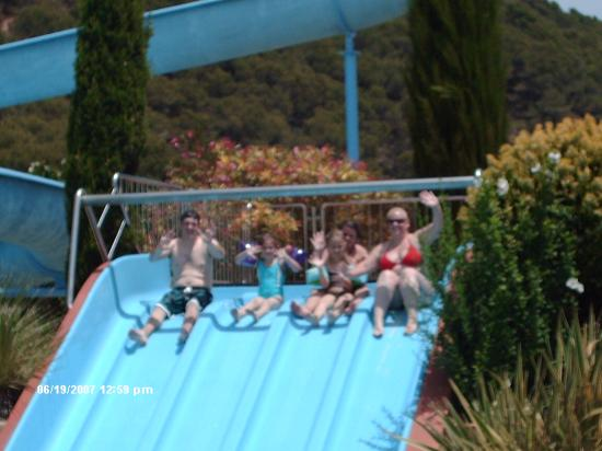 Camping Castell Montgri : the l'ombra pool