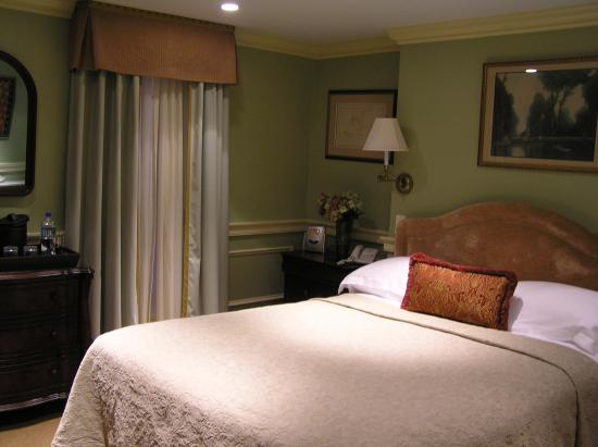 Rittenhouse 1715, A Boutique Hotel: Standard Queen Room