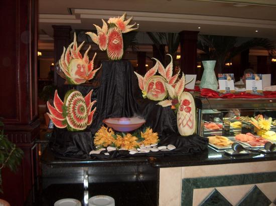 Grand Bahia Principe Bavaro: décor des buffets