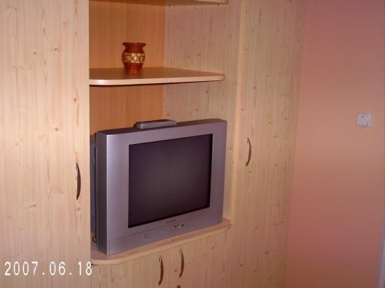 Restaurant-Pensiunea Joker: Large TV with armoire