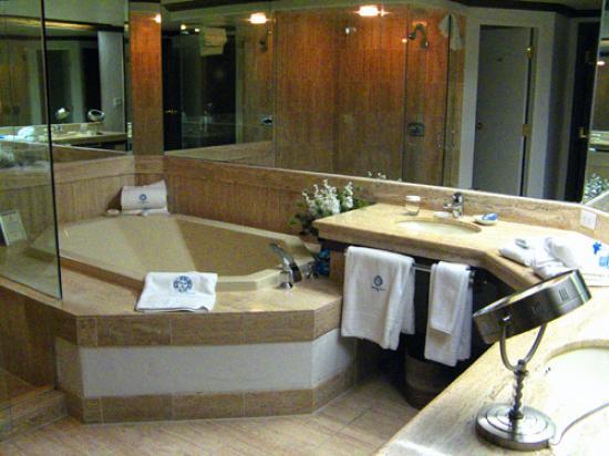 Sonnenalp: Bathroom
