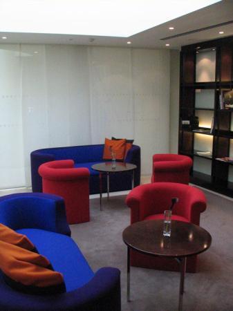 Maximilian Hotel: Reading room