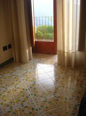 Hotel Da Salvatore: nice floor tiles