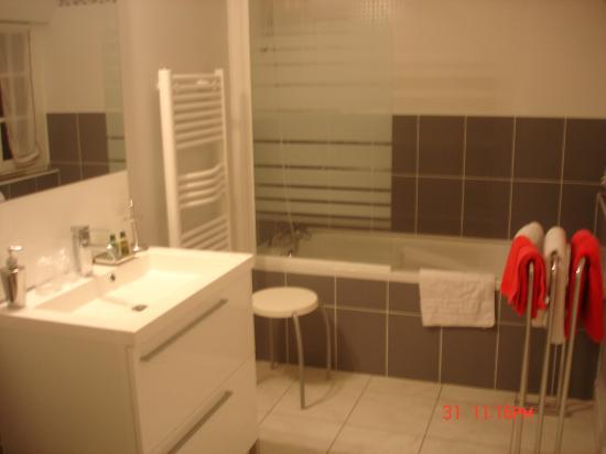 Bed & Breakfast Manoir de Notre-Dame: bathroom