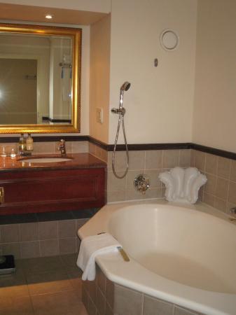 Radisson Blu Hotel Waterfront, Cape Town: Bathroom