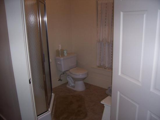 Big Moose Inn, Cabins & Campground: bathroom of suite 4