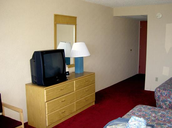 Travelodge Absecon Atlantic City: Bed Room