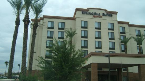 SpringHill Suites Phoenix Downtown: Outside of Hotel