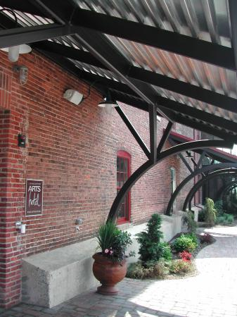 Lancaster Arts Hotel: Entrée