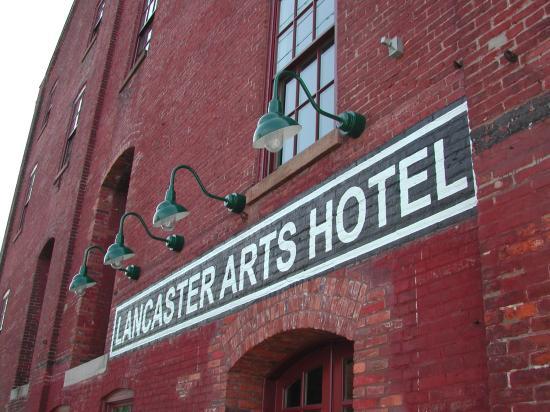 Lancaster Arts Hotel: Façade de l'hôtel