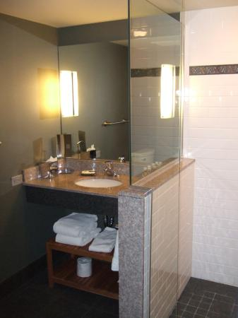 Lancaster Arts Hotel: Salle de bain