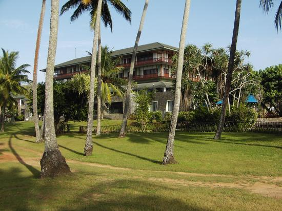 Bentota Beach by Cinnamon : Hotel from the gardens