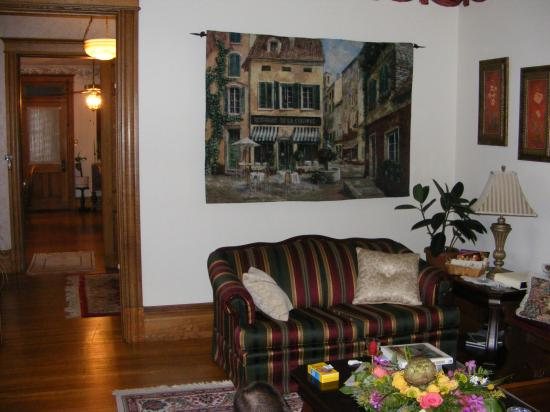 Keystone Inn Bed and Breakfast: Relaxing parlor