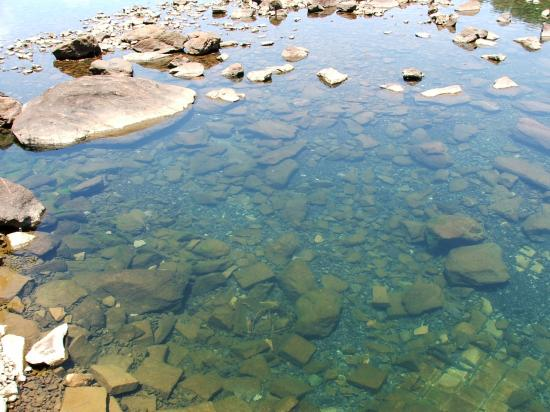 Lake Hartwell State Park: Hartwell runoff to the river