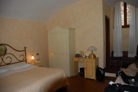Hotel Clitunno: Room 176 (lower ground floor)