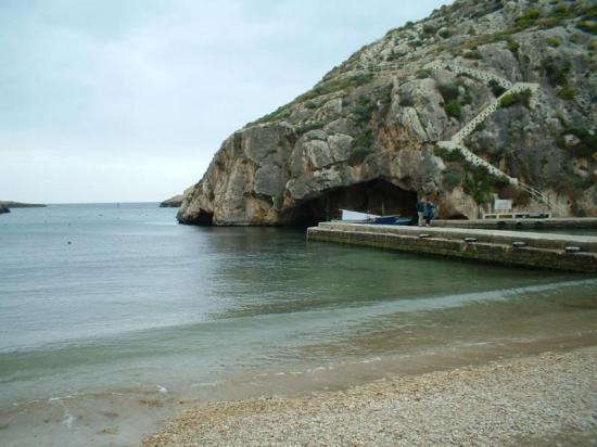 xlendi - beach