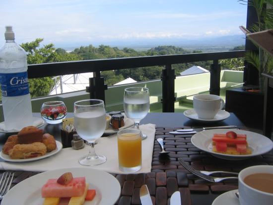Gaia Hotel & Reserve: Breakfast with a view/Gaia