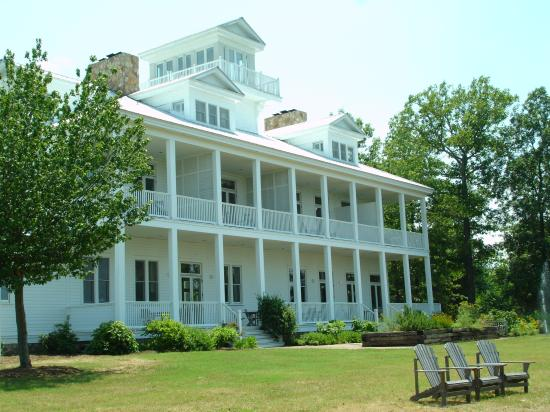 The Lodge at Gorham's Bluff: the Main Lodge
