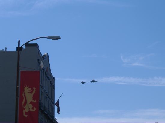 ลิเธียปาร์ค: 4th of July fly over