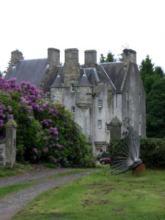 Tulliebole Castle: the castle