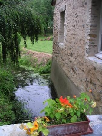 Moulin d'Hys: Bief