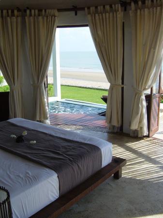 Aleenta Hua Hin Resort & Spa : pool bungalow