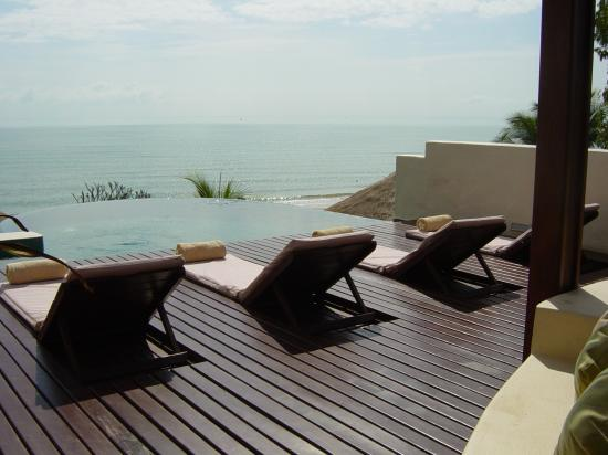 Aleenta Hua Hin Resort & Spa : infinity pool