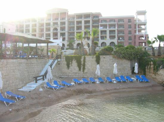 The Westin Dragonara Resort, Malta: Small Sandy Beach At Reef Club