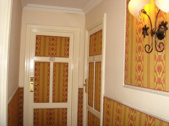 Residenza Antica Roma: Hallway on our floor