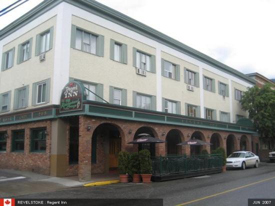 Regent Hotel: Front of Hotel