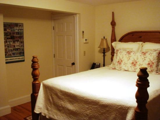 Rosehaven Inn Bed and Breakfast: Room #4 - Bed & Entry Door