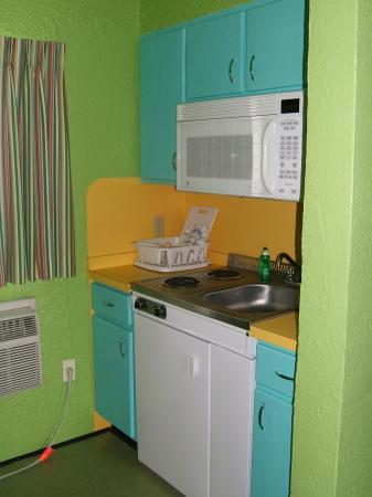 Caribbean Motel: Kitchenette