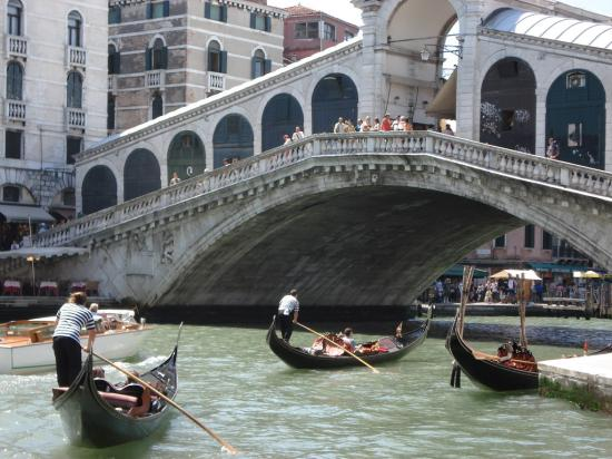 Alloggi Marinella: Venice - Rialto Bridge
