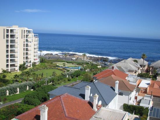 Bantry Bay Suite Hotel: View of Atlantic Ocean from first floor balcony