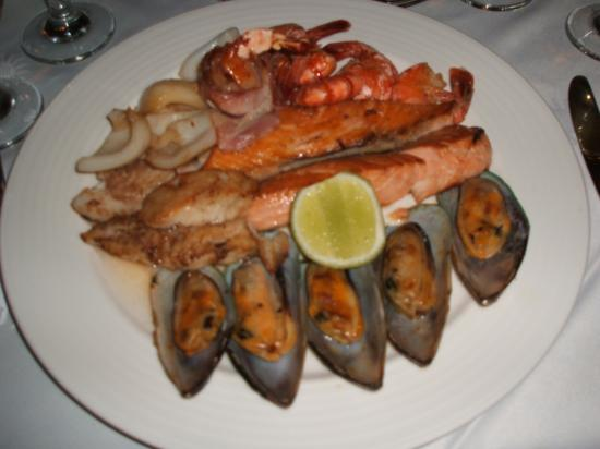 Grand Bahia Principe Bavaro: Seafood platter at Seafood restaurant
