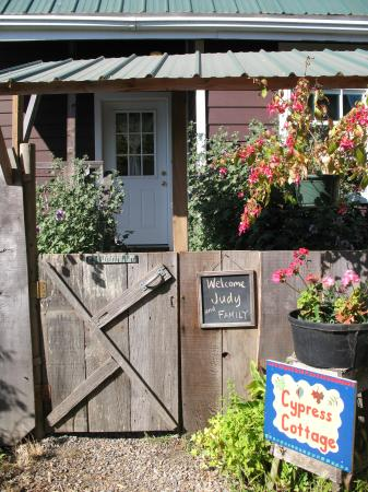 Olema Cottages: Cypress Cottage ready for our stay...