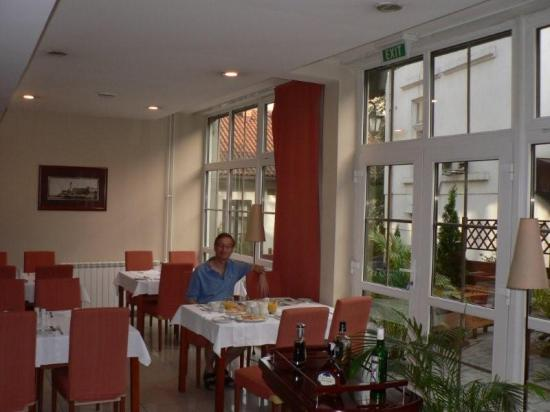 Hotel Le Petit Piaf : Breakfast, Hotel Petit Piaf